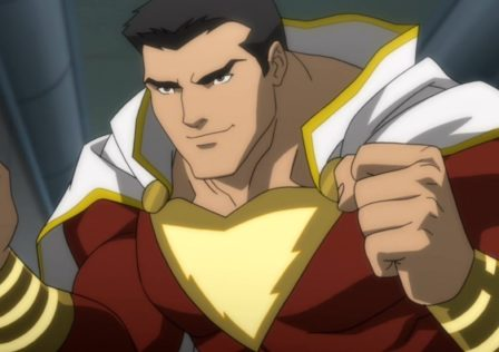 new-shazam-set-photo-shows-the-front-of-zachary-levis-costume-social